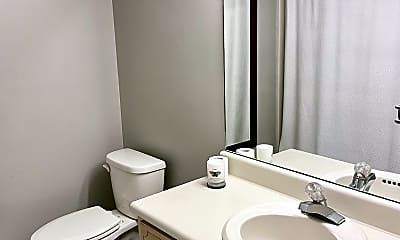 Bathroom, 1532 Myrtle St, 2