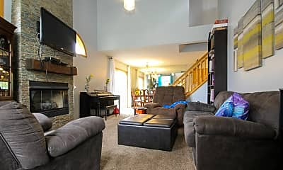 Living Room, 15333 Greenhaven Ln, 1