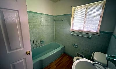 Bathroom, 3731 W Potomac Dr, 2