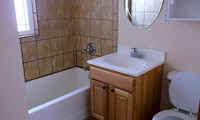 Bathroom, 3537 Hynds Blvd, 2