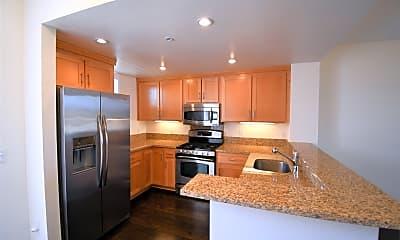 Kitchen, 401 Crescent Ct, 1