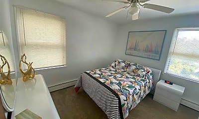 Bedroom, 325 9th St S, 2