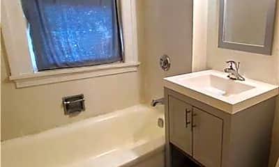 Bathroom, 9411 Detroit Ave, 2