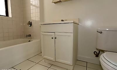 Bathroom, 3827 N Fremont St, 2