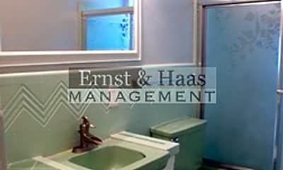 Bathroom, 1023 E Appleton St, 2