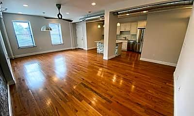 Living Room, 303 Union Blvd, 1