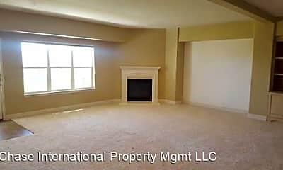 Living Room, 3521 Silverado Dr, 1
