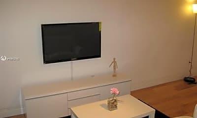 Living Room, 1035 Meridian Ave, 2