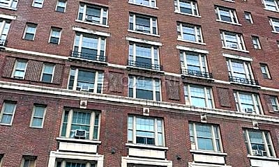 Building, 170 W 74th St, 2