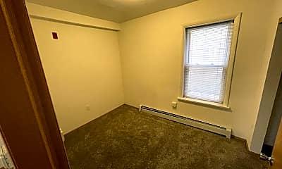 Bedroom, 409 N Broadway, 1