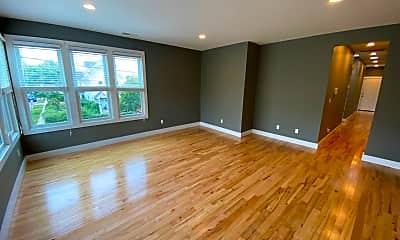 Living Room, 320 Ashmun St, 1