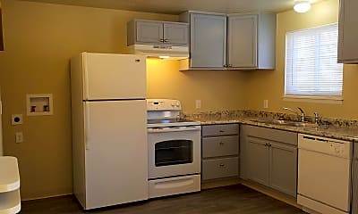 Kitchen, 818 Duffield Ct, 1