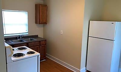 Kitchen, 905 W Lynwood Ave, 1