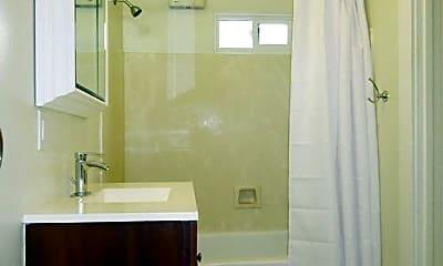 Bathroom, 283 4th Ave, 2