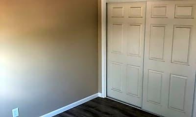 Bedroom, 650 Linden Ave, 2