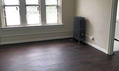 Bedroom, 6928 N Wayne Ave, 2