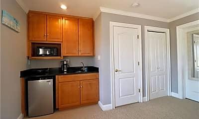 Kitchen, 125 57 1/2 St, 2