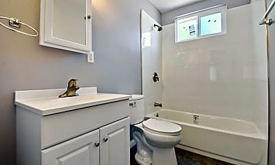Bathroom, 4732 Walnut Ave, 2
