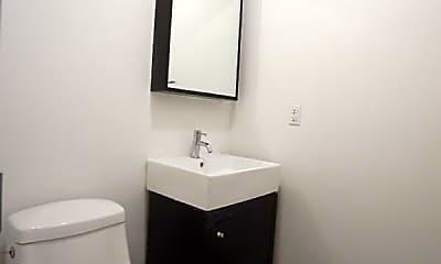 Bathroom, 170 Meserole St, 2