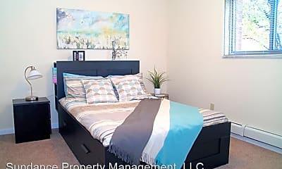 Bedroom, 5653 Beechmont Ave, 2