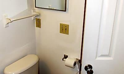 Bathroom, 919 2nd St NW, 2