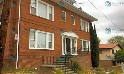 Building, 70 W Taylor St, 1