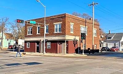 Building, 1701 N Main St, 1