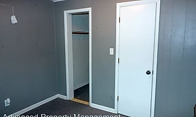 Bedroom, 915 Sunset Ave, 2