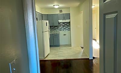 Bathroom, 101-38 98th St 2, 1