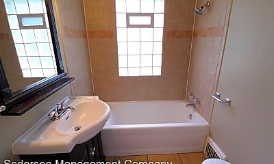 Bathroom, 6009 Delmar St, 2