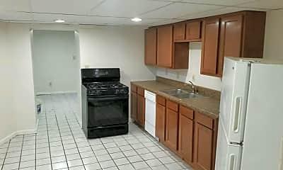 Kitchen, 2457 Maplewood Ave, 1