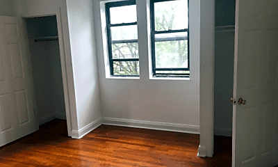 Bedroom, 300 Gramatan Ave, 1