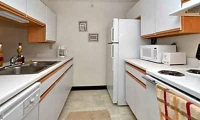 Higgins Estates Apartments, 1