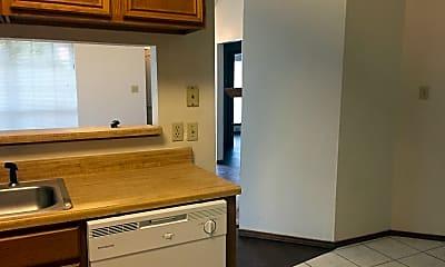 Kitchen, 7332 Blackthorn Dr, 2
