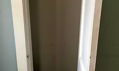 Bathroom, 708 W Alabama Ave, 2