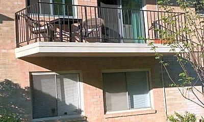 Building, 10601 Montrose Ave M-104, 1