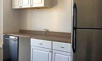 Kitchen, 90 Lake St, 1