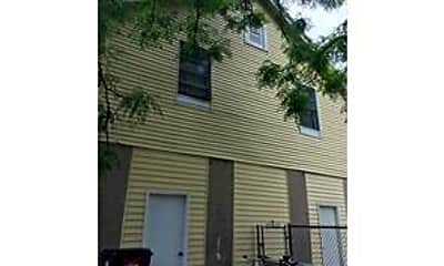 Building, 2433 Josephine St, 2