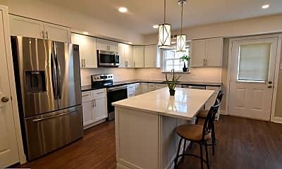 Kitchen, 140 Denbigh Terrace A, 1