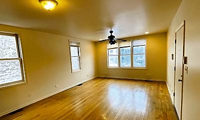 Living Room, 1415 E 62nd St, 1