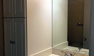 Bathroom, 584 Nichols Blvd, 2