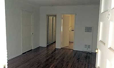 355-359 3/4 S Detroit Street, 1