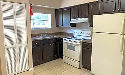 Kitchen, 207 N Pinewood Ave, 0