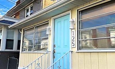 Building, 125 N Portland Ave, 1
