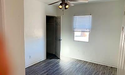 Living Room, 736 E Turney Ave, 1