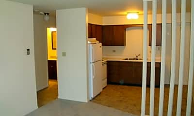 Brentwood Apartments, 2