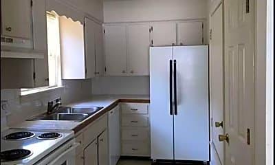 Kitchen, 601 Mimi Ln, 1