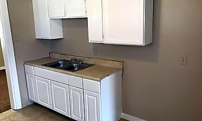 Kitchen, 1429 Rayfield Dr, 2