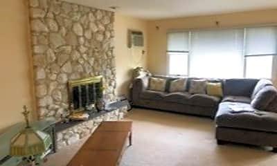 Living Room, 14746 Powells Cove Blvd 2, 0