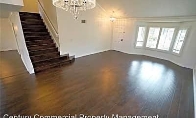 Living Room, 1353 Crestmont Dr, 1